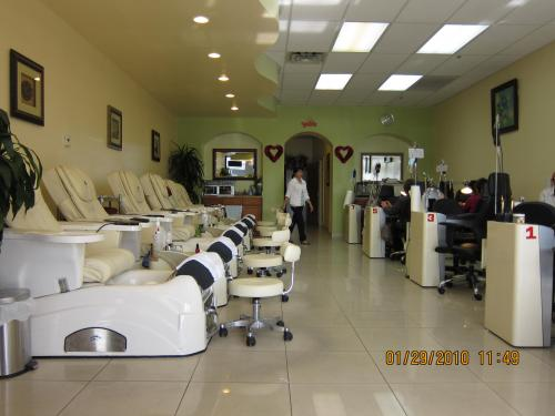 Signature Nails and Spa - Las Vegas, NV 89147 - Best of the Web Local